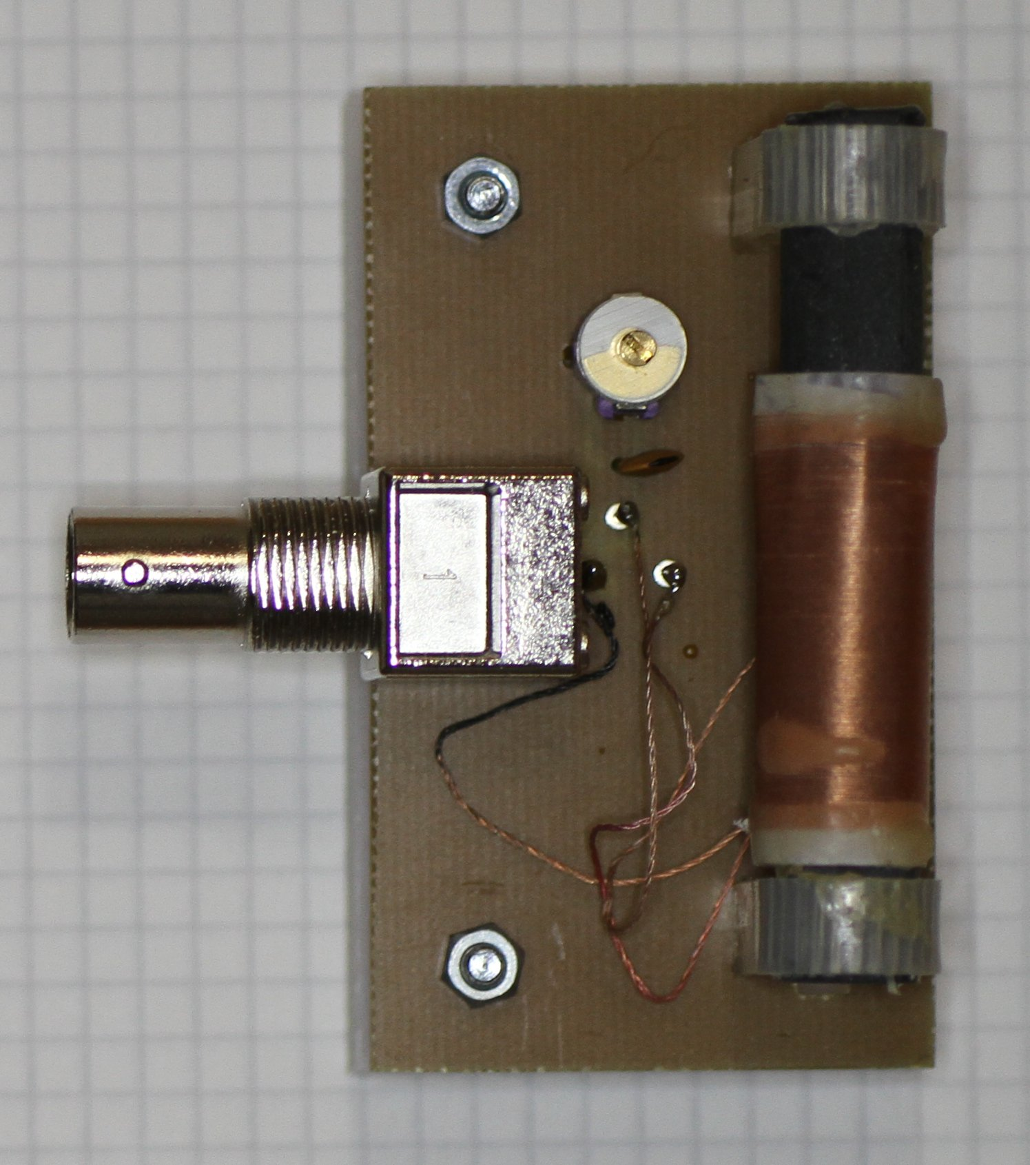 A Simple Am Modulator How To Build Opamp Vhf Fm Transmitter Picture Of The Coupling Coil