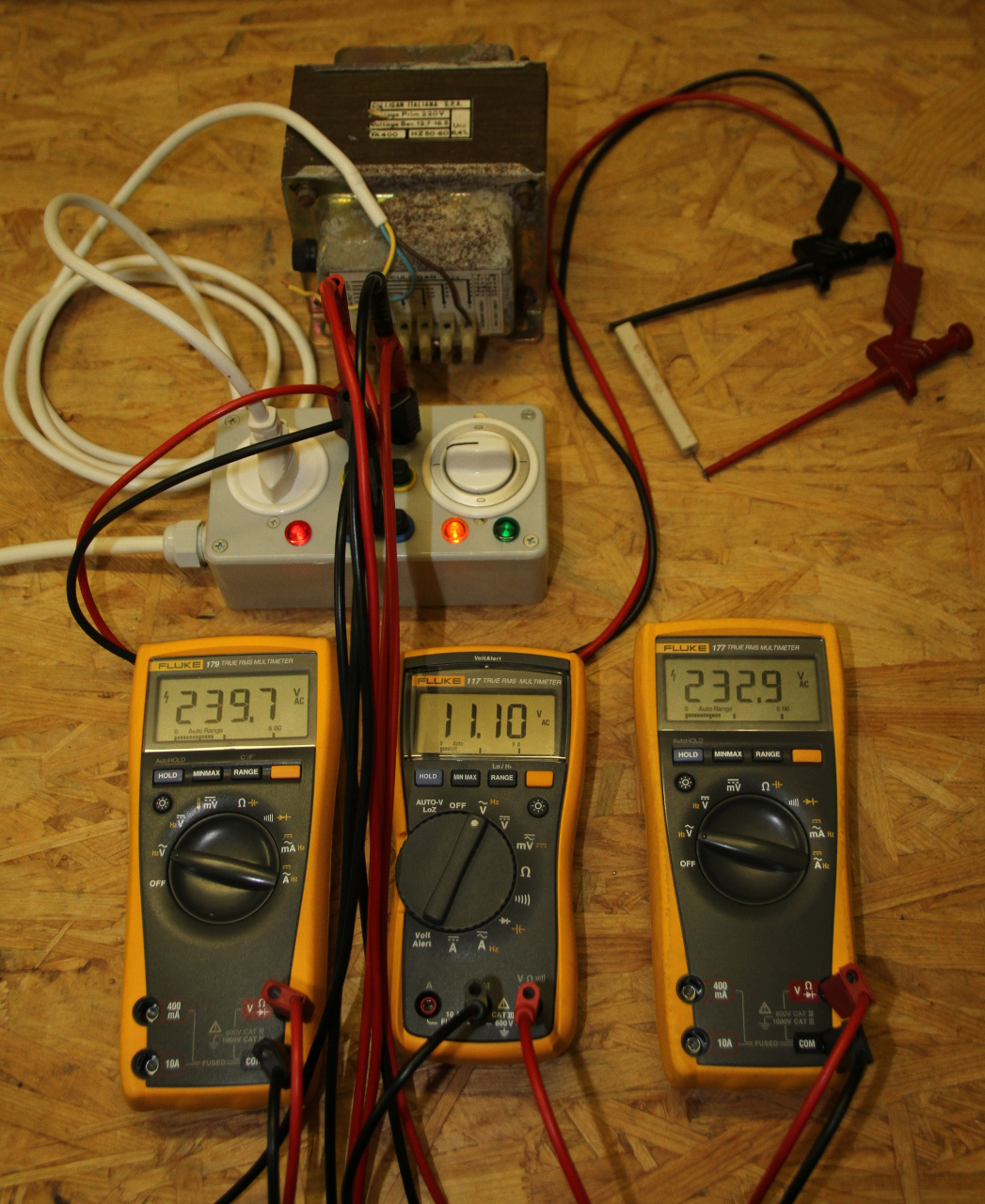 Measuring The Power Factor With Three Voltmeters Method Ac Circuit Experiment Box Electrical Training Equipment Basic A Transformer Without Load Being Measured