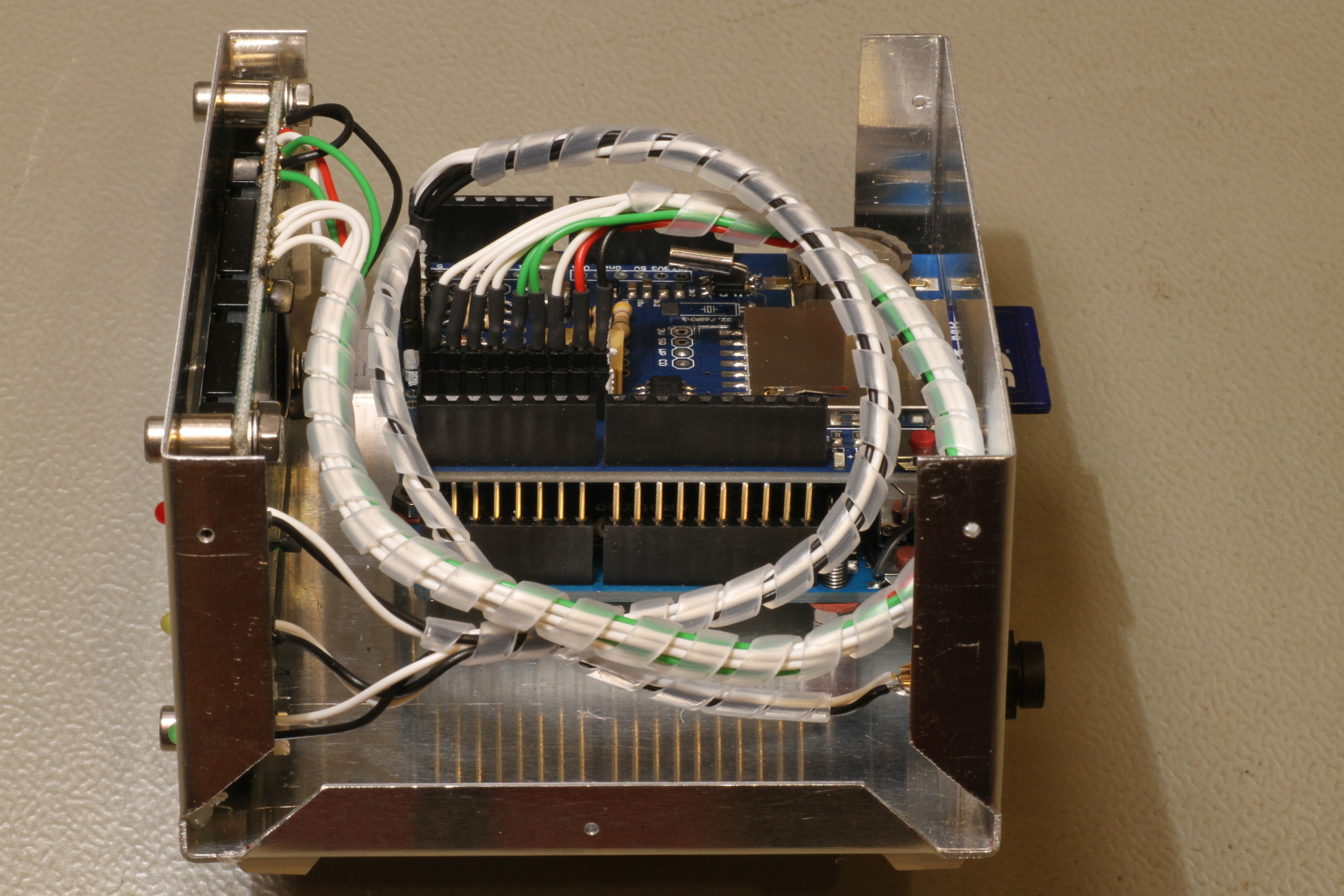A Lightning Flash Counter Storm Detector Circuit Diagram Side View Of The Logger Click To Enlarge
