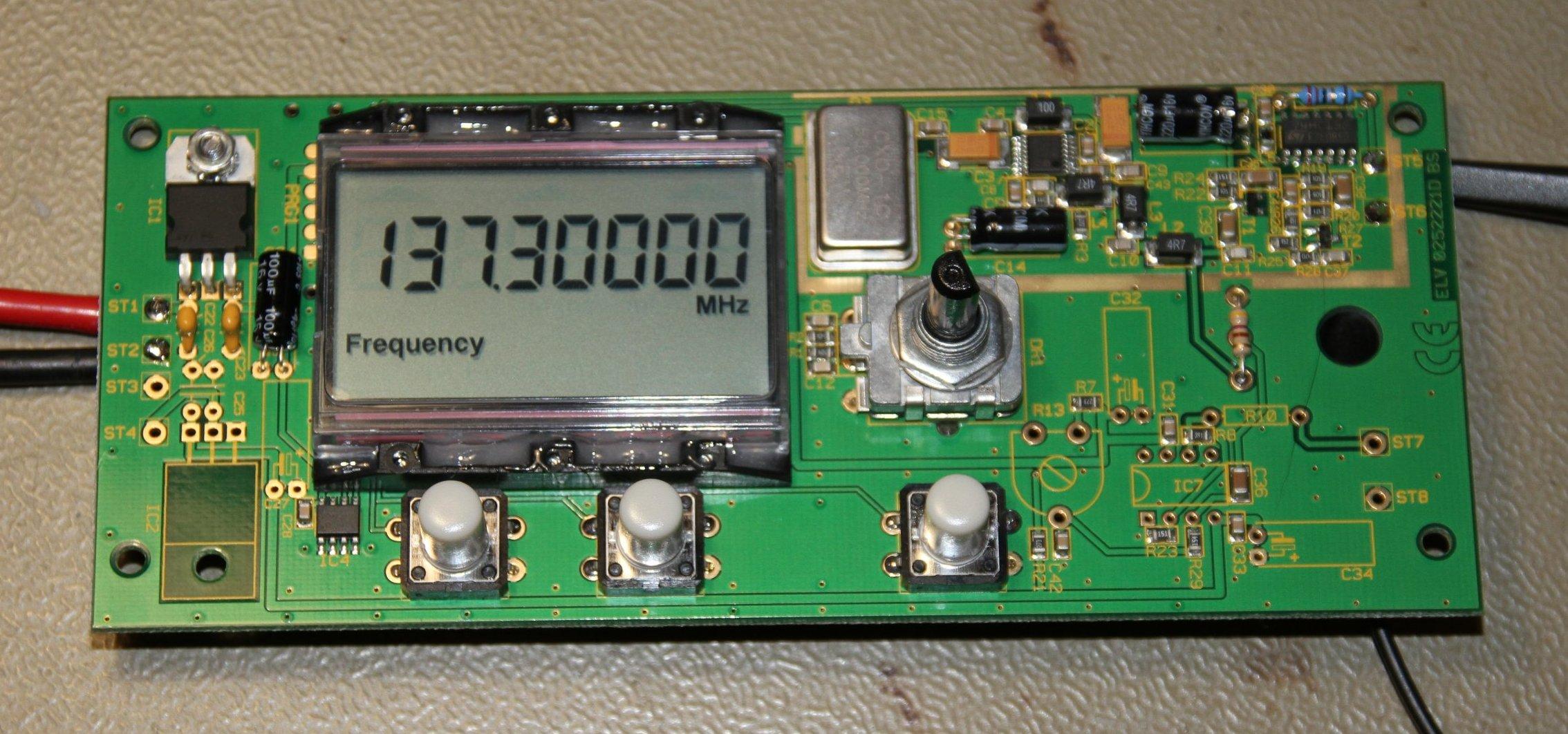 A long-waves and medium-waves dual-band kilowatt CW transmitter